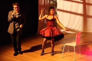 <i>Teatro Para Pássaros</i> -Daniel Gaggini e Ana Füser - foto de Cacá Bernardes-