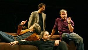 CLOACA re-estreia sexta-feira no Teatro Imprensa