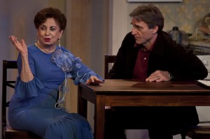 """Beatriz Segall e Herson Capri dividem o palco em """"Conversando Com Mamãe"""""""