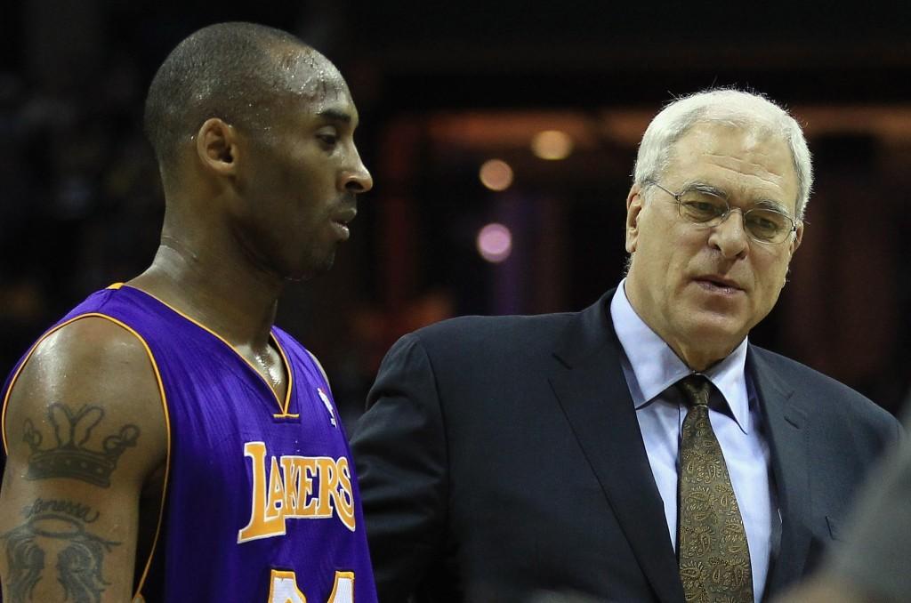 Kobe Bryant e Phil Jackson marcaram a história dos jogos da NBA no Natal (Foto: Getty Images)