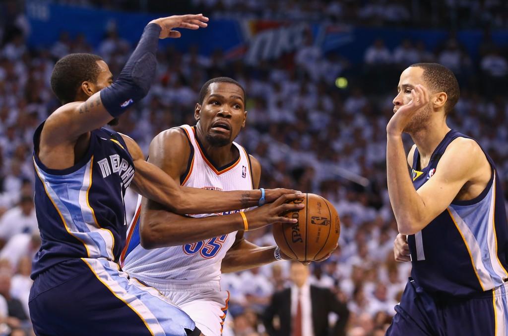 Kevin Durant e o Thunder cruzam com o Grizzlies nos playoffs pela terceira vez em quatro anos (Foto: Getty Images)