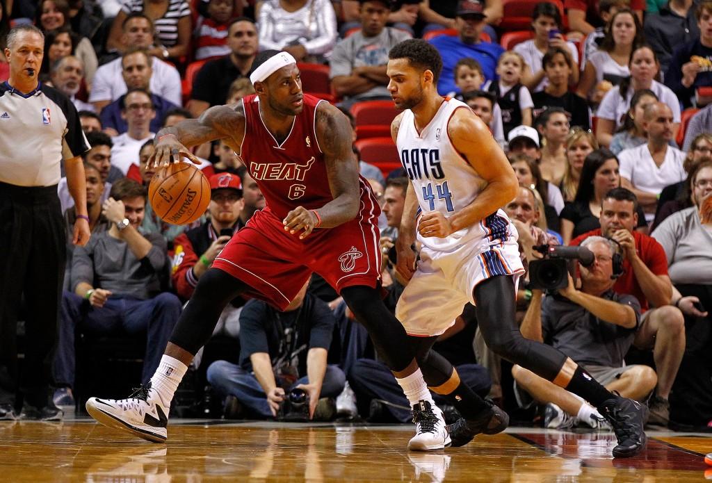 LeBron James, pesadelo da defesa do Charlotte Bobcats nesta temporada (Foto: Getty Images)