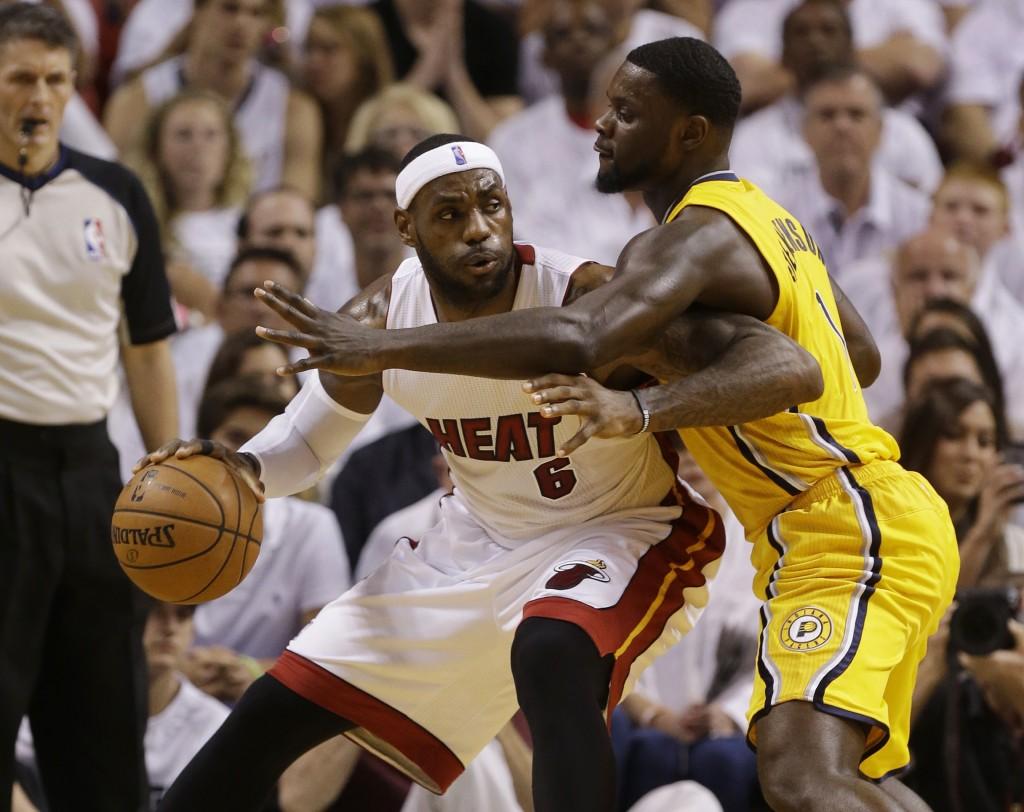 LeBron James x Lance Stephenson. Nunca é bom provocar um craque (Foto: AP)