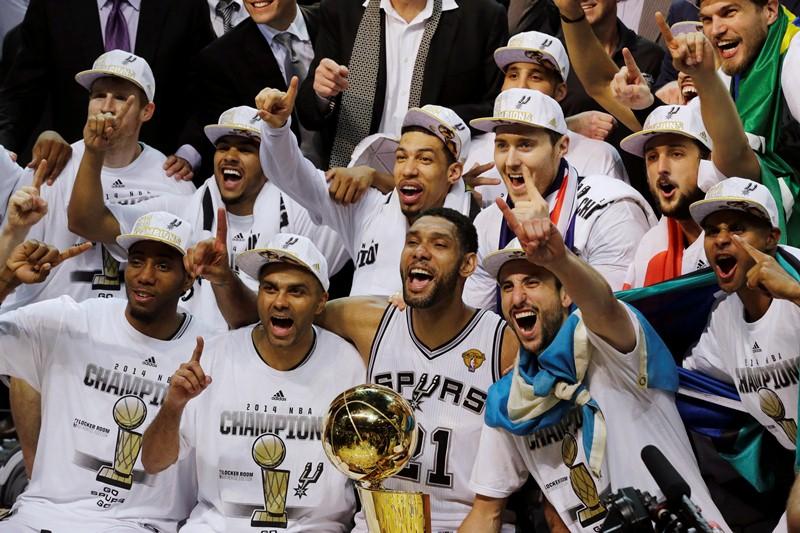 San Antonio Spurs, cinco vezes campeão da NBA (Foto: AP)