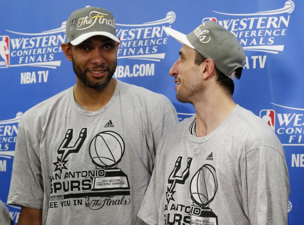 Tim Duncan e Manu Ginóbili: experiência e poder de decisão no Spurs (Foto: AP)