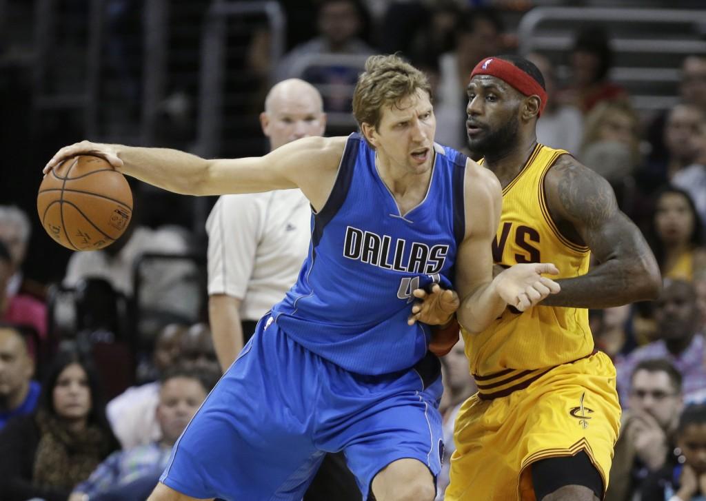 Dirk Nowtizki, líder do Dallas Mavericks (Foto: AP)