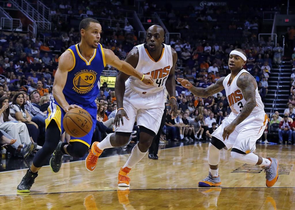 Stephen Curry: responsável por 10 dos 17 erros ofensivos (Foto: AP)