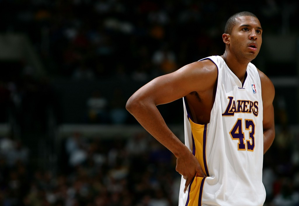 Brian Cook tentou voltar à NBA através do Pistons (Foto: Getty Images)
