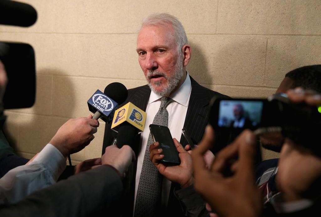 Gregg Popovich não quis saber de falar sobre as mil vitórias (Foto: Getty Images)