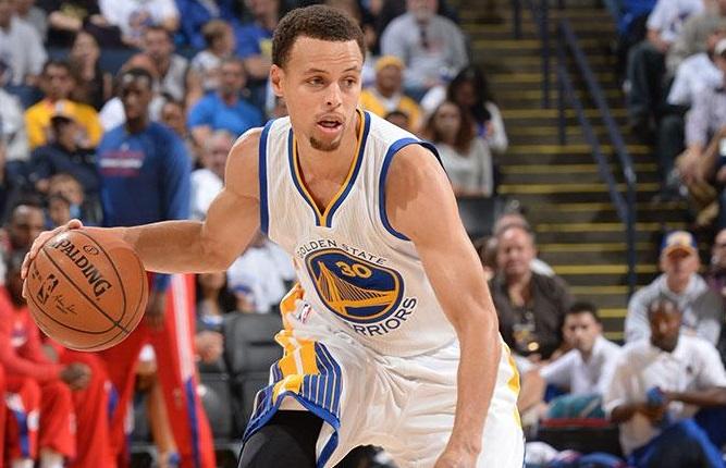 Stephen Curry rouba as atenções, mas não é a única razão do sucesso do Warriors