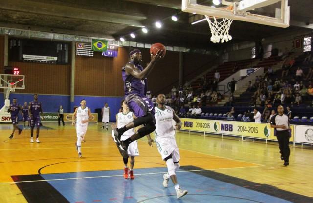 Tyrone: versatilidade para defender até três posições (Foto: Cleomar Macedo/Divulgação)