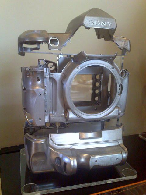 O chassis da câmera é feito de magnésio, para maior resistência
