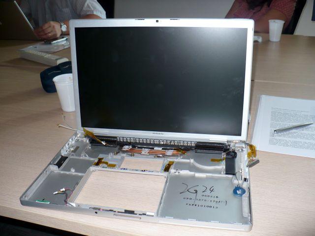 O esqueleto de um MacBook