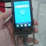 """O """"Crystal"""" é o primeiro aparelho no mercado com um teclado transparente"""