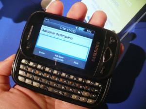 Scrappy Touch mantém o teclado QWERTY, mas tem tela sensível ao toque