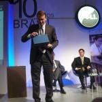 "Paul Bell, presidente do segmento ""Public"" da Dell Inc., apresenta o Latitude 2100"