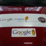 O adesivo não deixa dúvidas: o carro está a serviço do Google