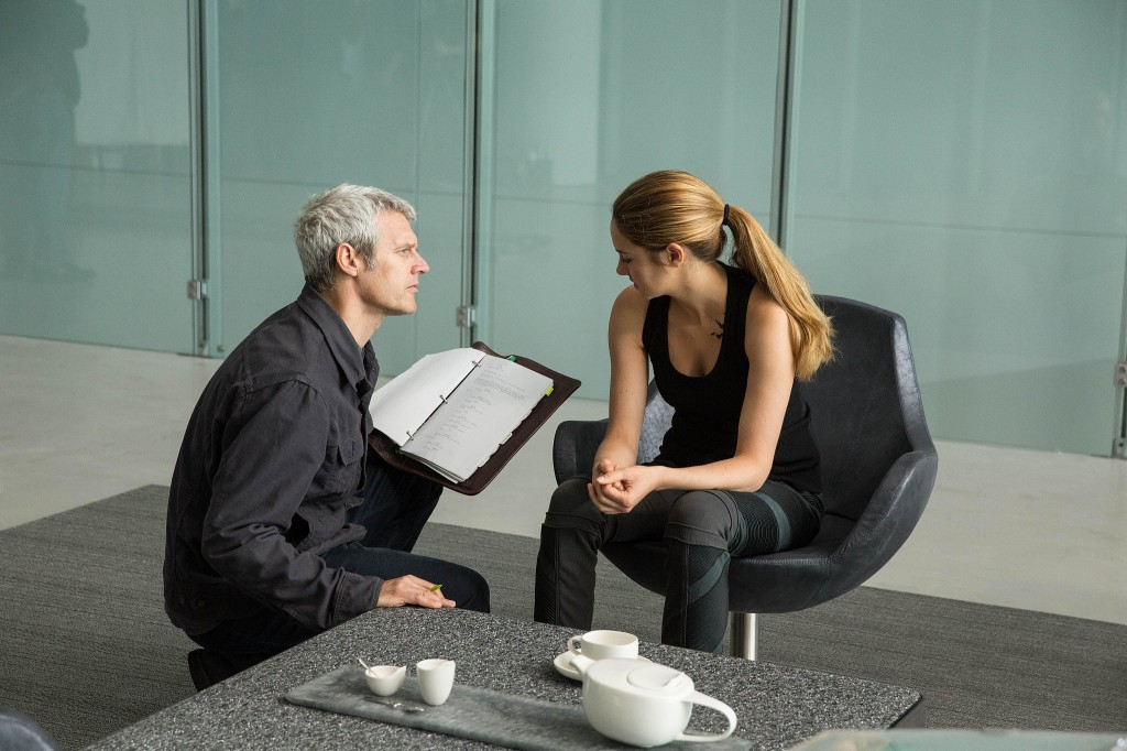 """Neil Burger dirige Shailene Woodley em """"Divergente"""": pelo prazer de fazer um filme pop (Foto: Divulgação)"""
