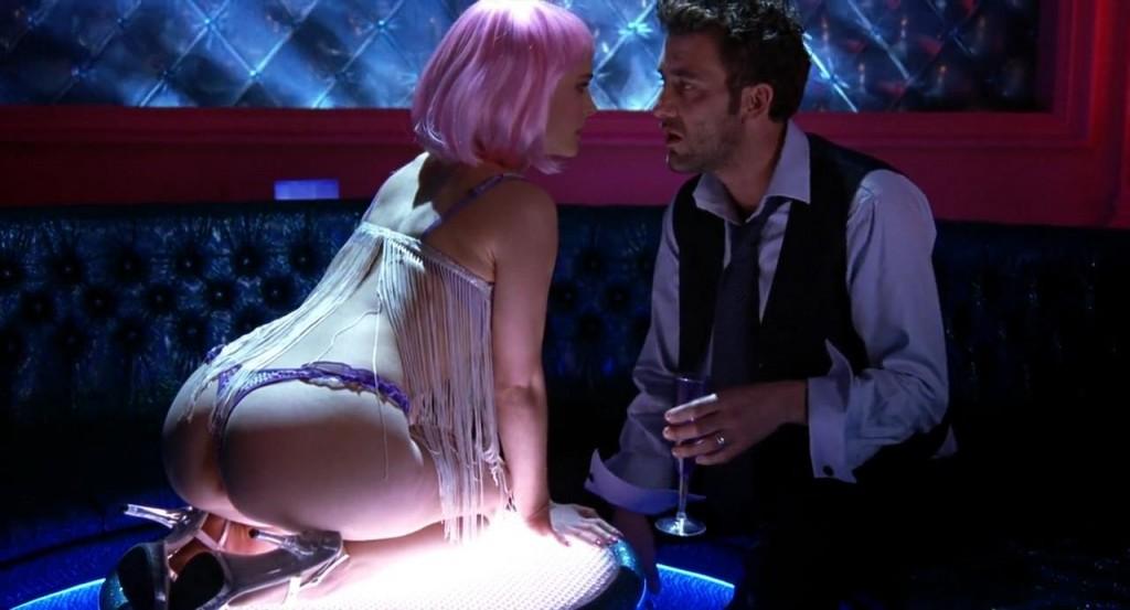 """Natalie Portman e Clive Owen em uma das cenas mais matadoras de """"Closer"""": a nudez da atriz desviaria a atenção dos diálogos recheados de dor e ironia (Foto: divulgação)"""