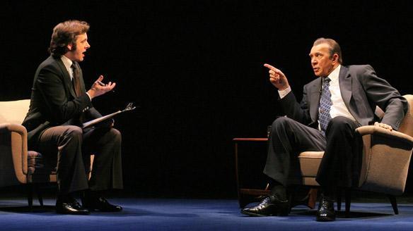 """Um ex-presidente em busca de redenção midiática e um apresentador de tv contestado em um embate intelectual primoroso são a matéria prima de """"Frost/Nixon"""""""