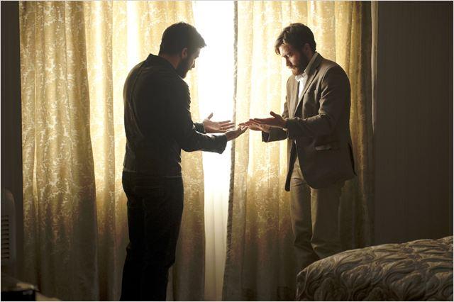 """Um encontro que coloca os personagens em caminhos opostos: """"O homem duplicado"""" nunca opta pela via mais fácil ao instigar constantemente a audiência  ( Foto: divulgação)"""