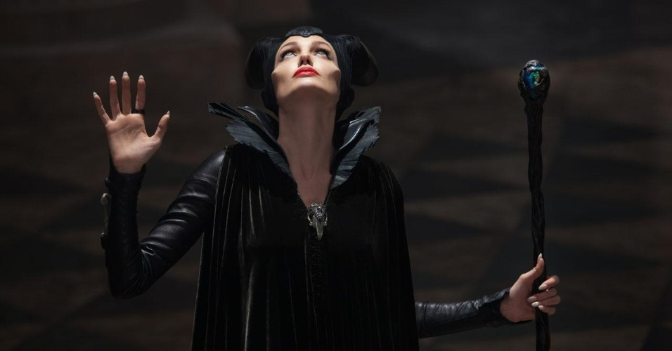 """Angelina Jolie em """"Malévola"""": uma das grandes sensações de uma temporada pouco vistosa"""