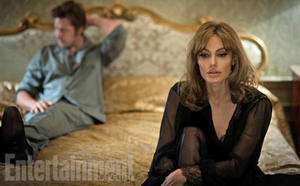 """Ao lado do marido, Angelina Jolie estrela e dirige """"By the sea"""", que será lançado no ano passado"""