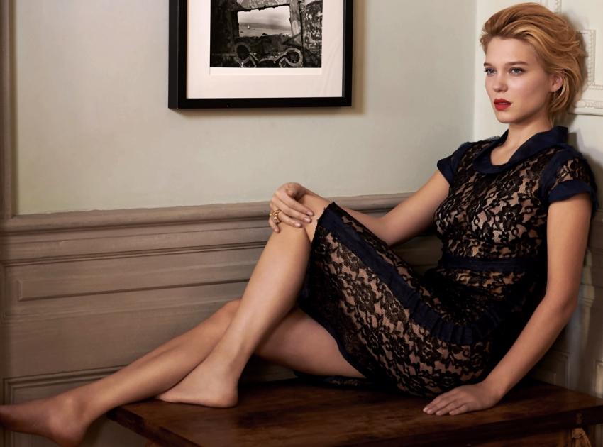 A atriz em foto para a revista Esquire...