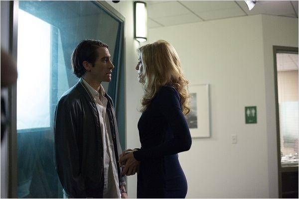Empatia, asco e necessidade de sobrevivência são os três pilares que sustentam a relação dos personagens de Russo e Gyllenhaal  (Fotos: divulgação)