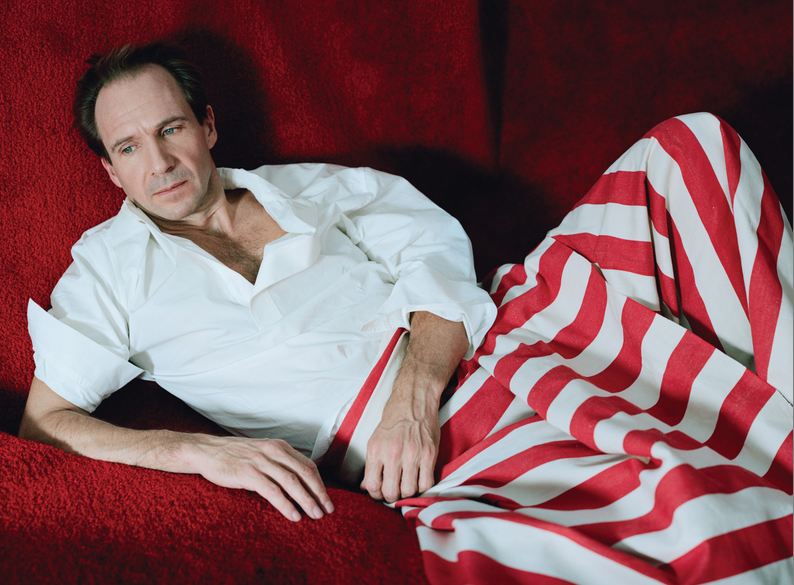 """Ralph Fiennes, celebrado pelo papel em """"O Grande hotel Budapeste"""""""
