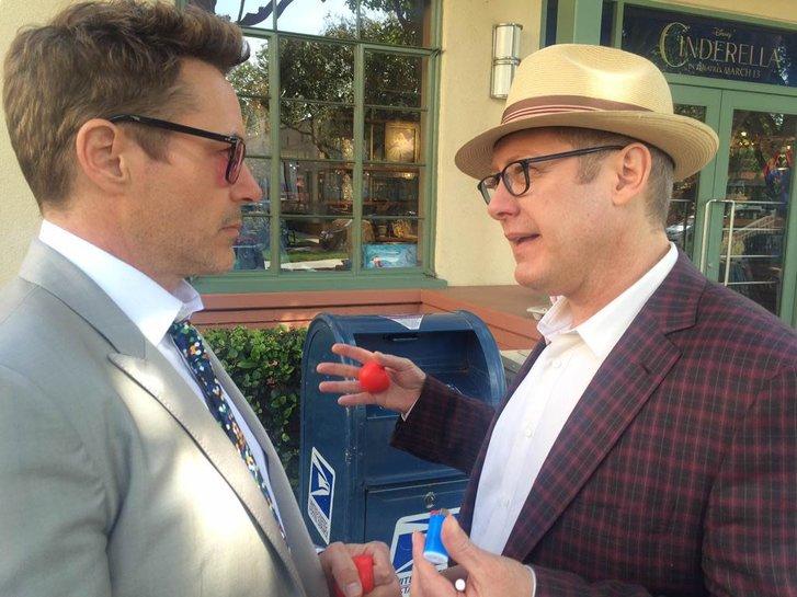 Downey Jr. leva aquele lero com James Spader, que dá voz ao vilão Ultron