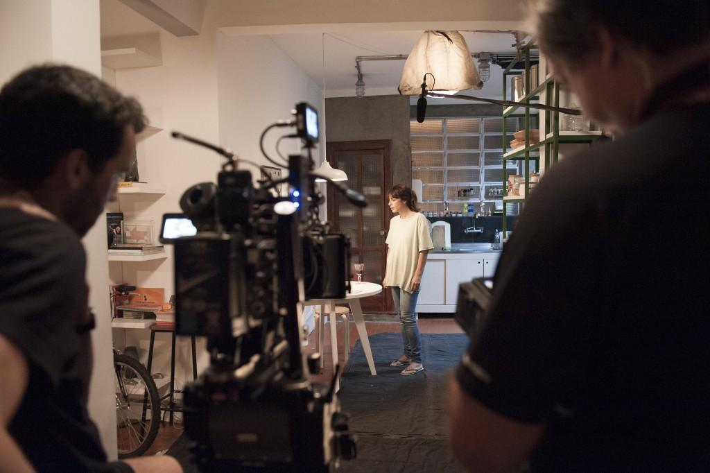 Maria Ribeiro no set do filme  (Foto: divulgação)