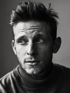Jamie Bell como Bond: será? (Foto: reprodução/Interview)