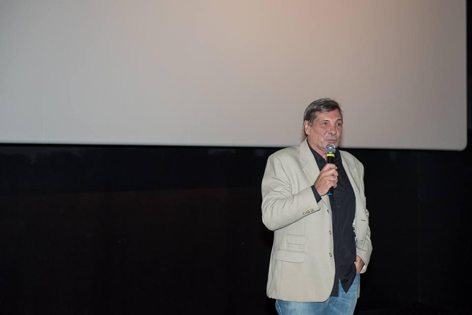 O fundador da imovision, Jean-Thomas Bernardini, discursa antes da exibição do filme (Foto: Ana Paula Amorim)