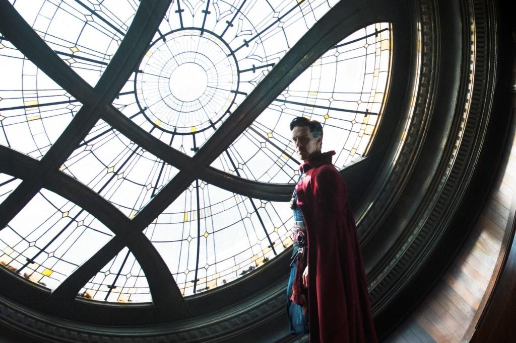 """Benedict Cumberbatch em cena de """"Dr. Estranho"""" (Foto: divulgação)"""