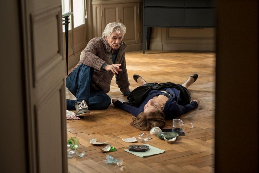 """Verhoeven orienta Huppert no set de """"Elle"""", o melhor filme de 2016"""