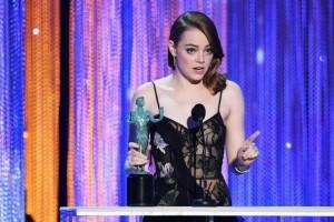 """A atriz Emma Stone vence o SAG por """"La La Land"""" (Foto: divulgação/SAG)"""