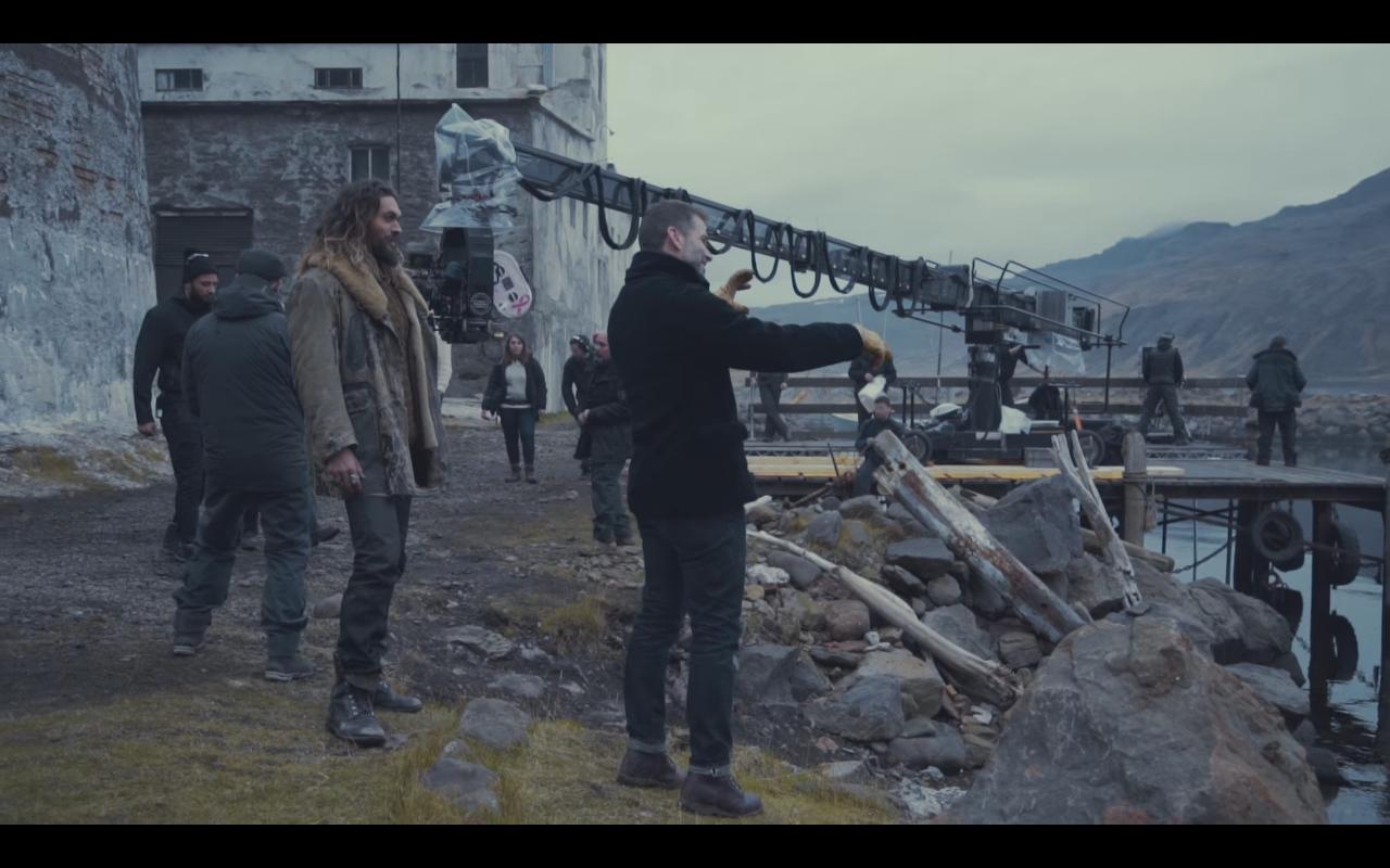"""Zack Snyder orienta Jason Momoa no set de """"Liga da Justiça"""""""