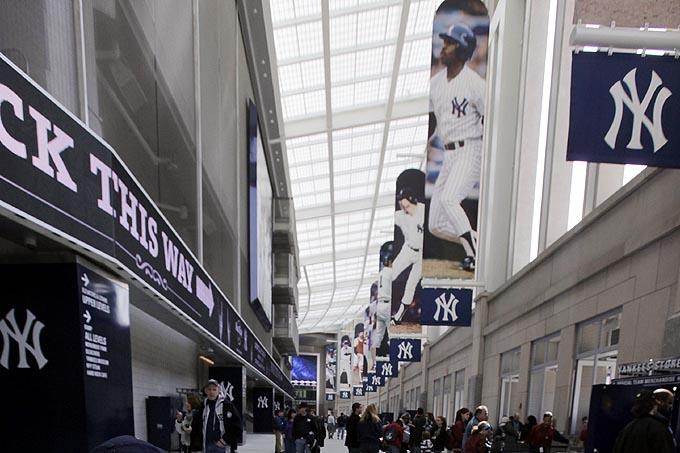 O corredor do New Yankee Stadium