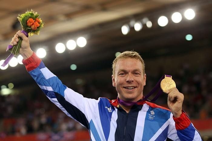 O escocês Chris Hoy se emociona ao ganhar o ouro na prova do Keirin, em Londres