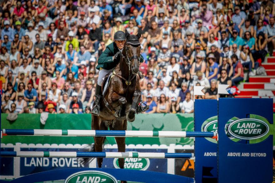 Marcelo Tosi, com Eleda All Black, salta em Caen, na Normandia. Brasil ficou em 8º no geral