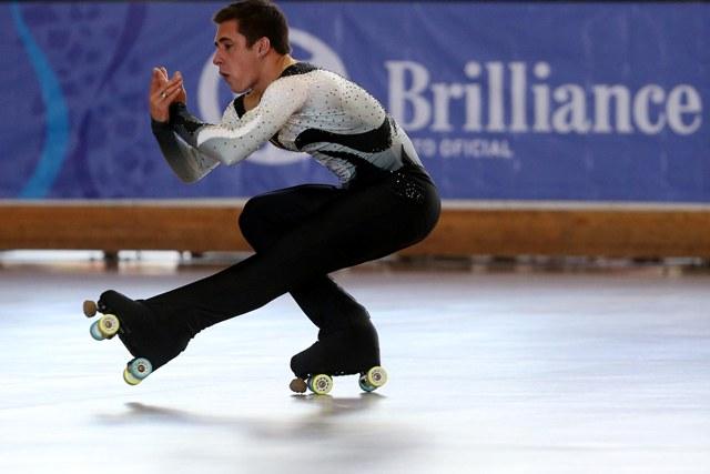 Gustavo casado é campeão mundial de patinação, mas não tem nem Bolsa Atleta para competir no exterior