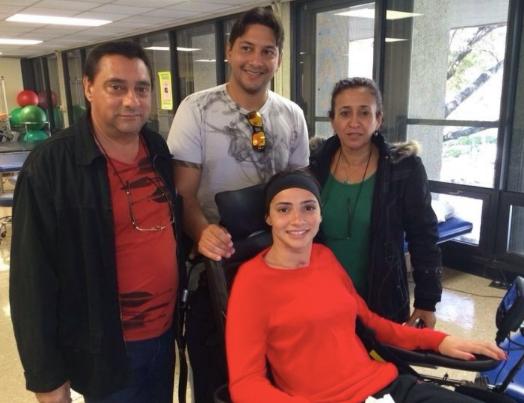 Laís Souza tem contado com apóio permanente de sua família no processo de recuperação do acidente que a deixou tetraplégica