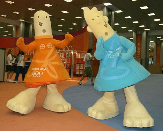 Athena e Phevos, as mascotes de Atenas 2004