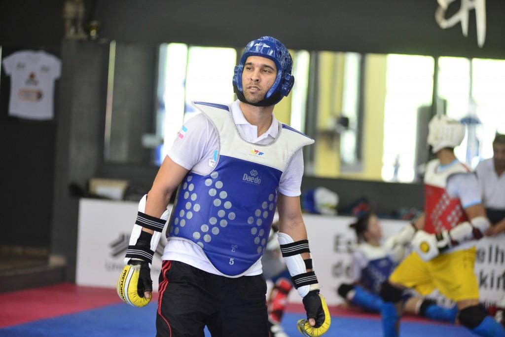 Possível rival de Anderson Silva na seletiva olímpica, Guilherme Félix luta sábado no Mundial de Taekwondo