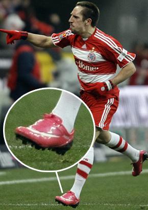 Ribery e suas chuteiras cor-de-rosa