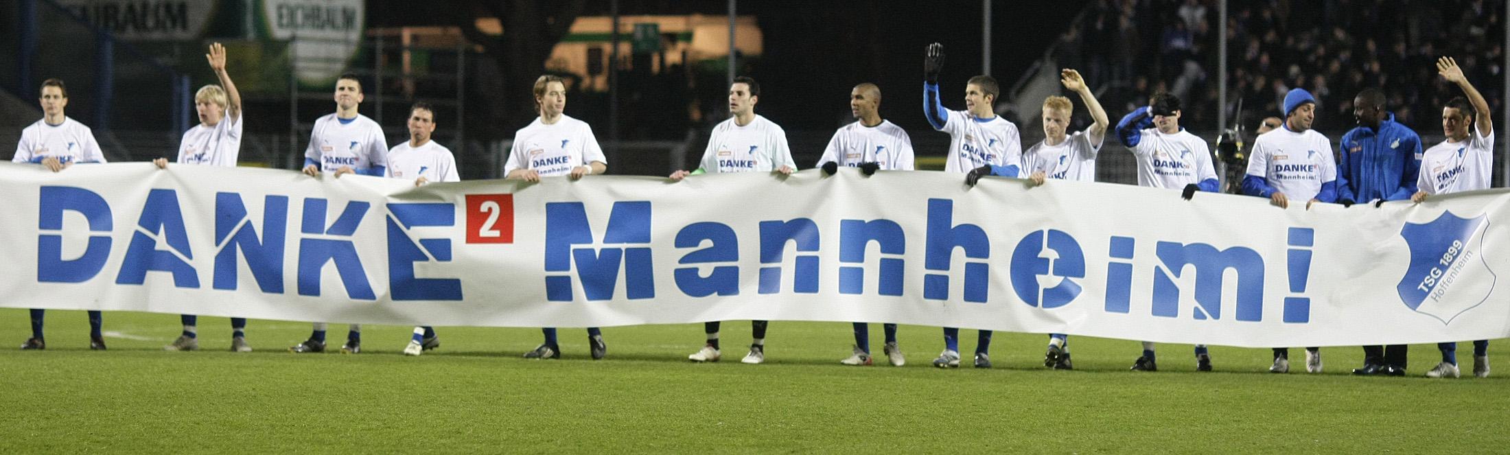 Jogadores do Hoffenheim agradecem à cidade de Mannheim