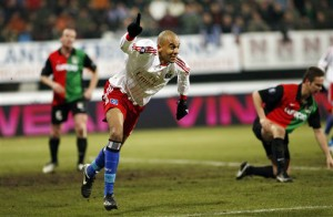 Alex Silva marca pelo Hamburgo