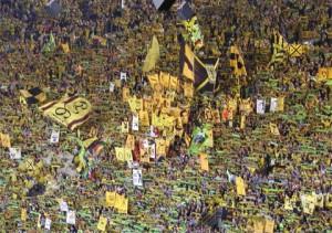 Torcida do Dortmund é um show à parte