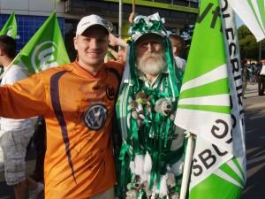 Torcida do Wolfsburg comemora